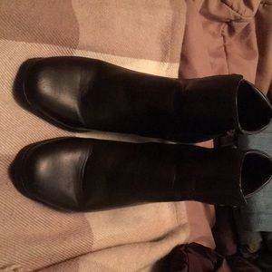 Brown faux leather boot by Khombu size 9